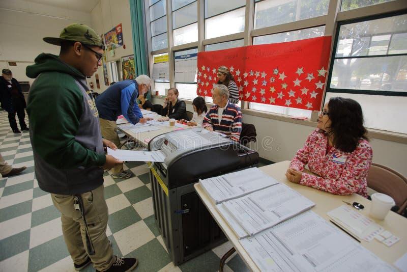 文图拉县,加州- 2016年6月7日--维特纳投票站为 免版税库存照片