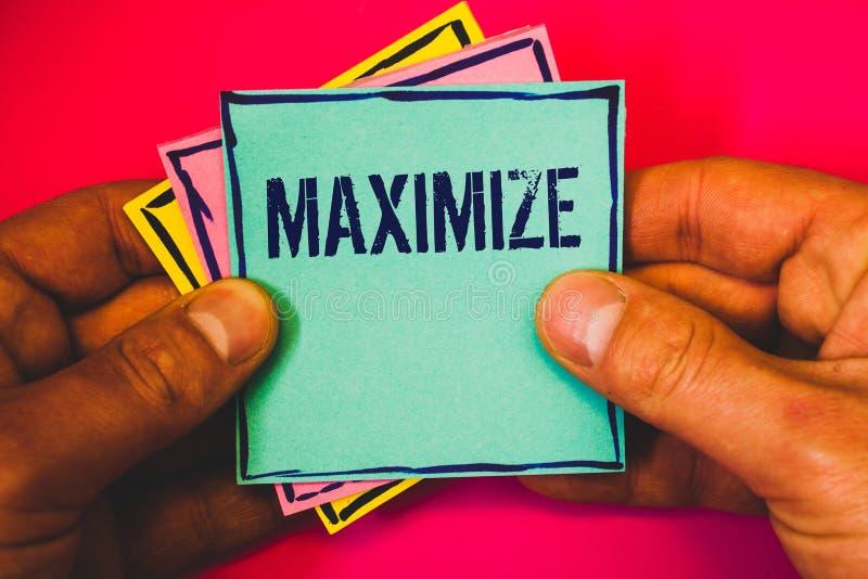 文字笔记陈列最大化 企业照片陈列的增加到最了不起的可能的数额或程度做更大的小mult 免版税库存图片