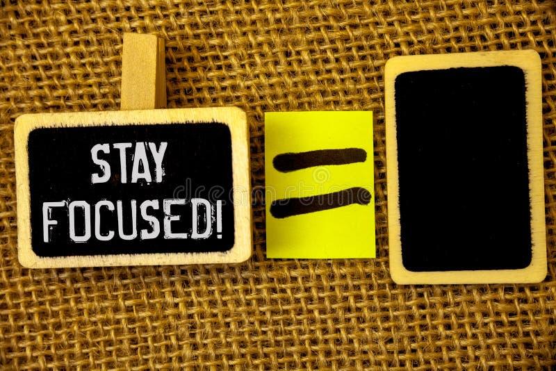 文本标志陈列保持集中诱导电话 概念性照片维护焦点激动人心认为 免版税库存照片