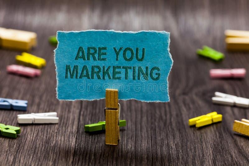 文本标志陈列是您营销 促进品牌产品销售的概念性照片行动在市场上截去标志没有想法的剧本 库存照片