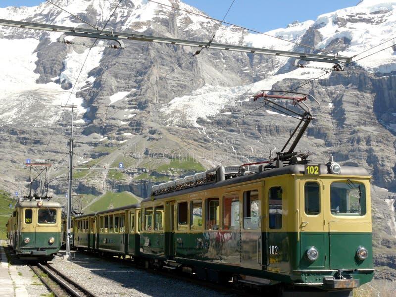 文根,瑞士 08/04/2009 导致Jungfraujoch的齿轨铁路 库存图片