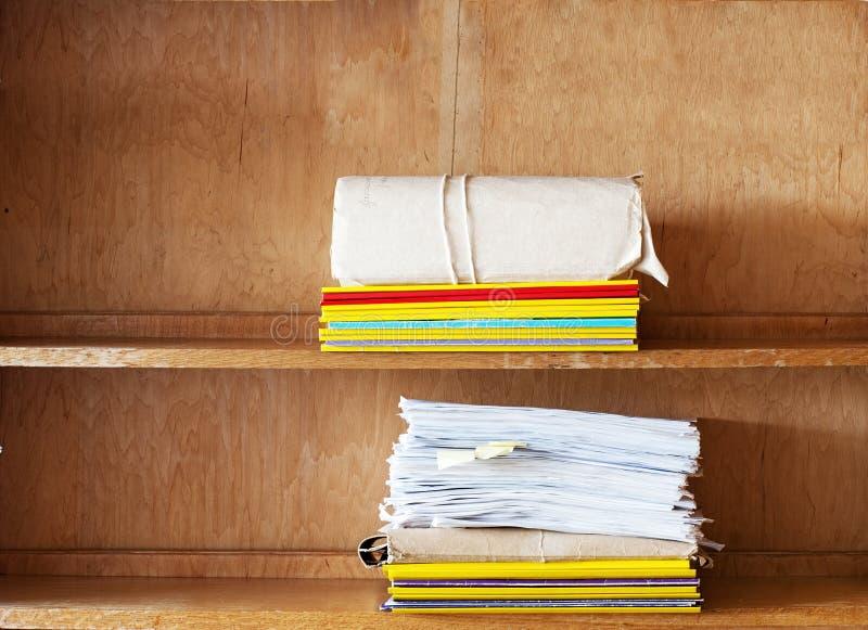 文件夹,纸片在搁置的 免版税图库摄影