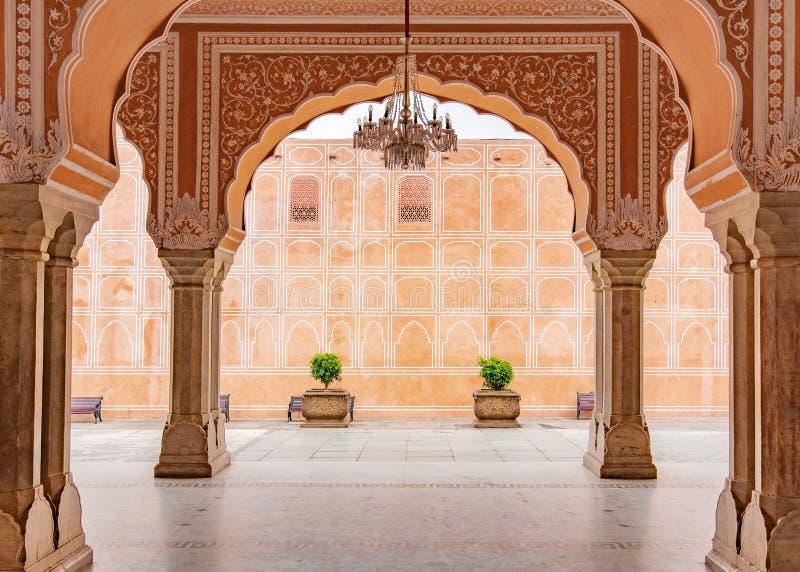 斋浦尔市宫殿在斋浦尔市,拉贾斯坦,印度 免版税库存照片