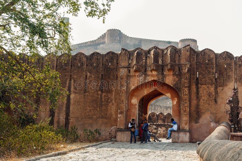 斋浦尔,印度- 2018年1月12日:其中一个在古老堡垒阿梅尔的门 了不起的大人物朝代的历史纪念碑 库存图片