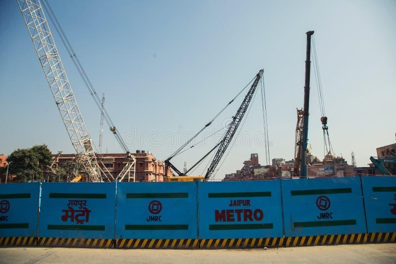 斋浦尔,印度- 2018年1月10日:地铁的建筑在斋浦尔 操刀在路 免版税图库摄影