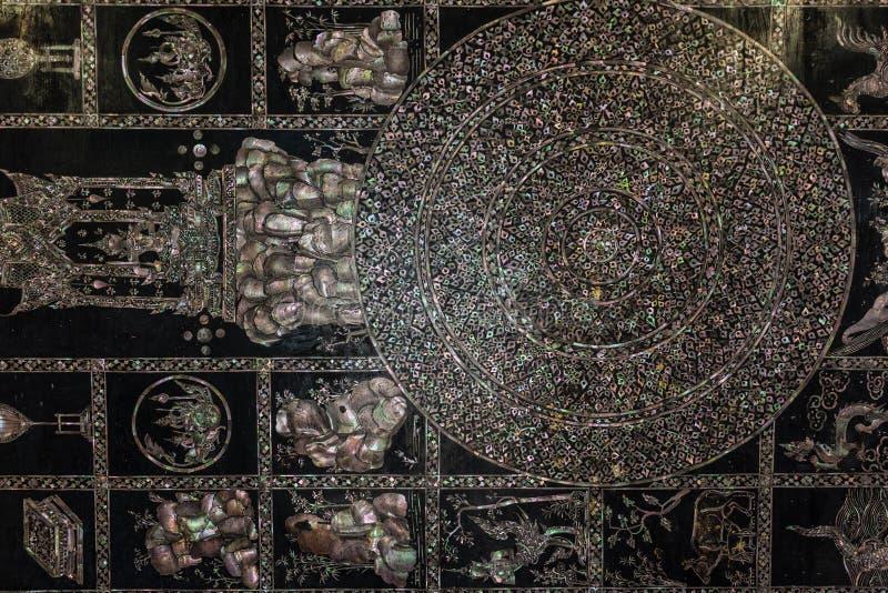 斜倚的菩萨的脚题字 库存照片