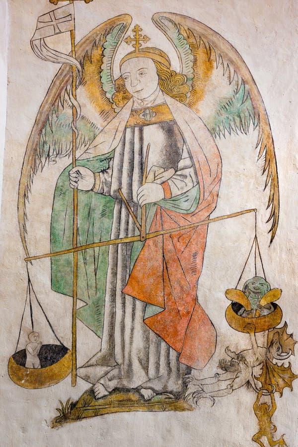 斟酌灵魂的圣迈克尔 免版税库存照片