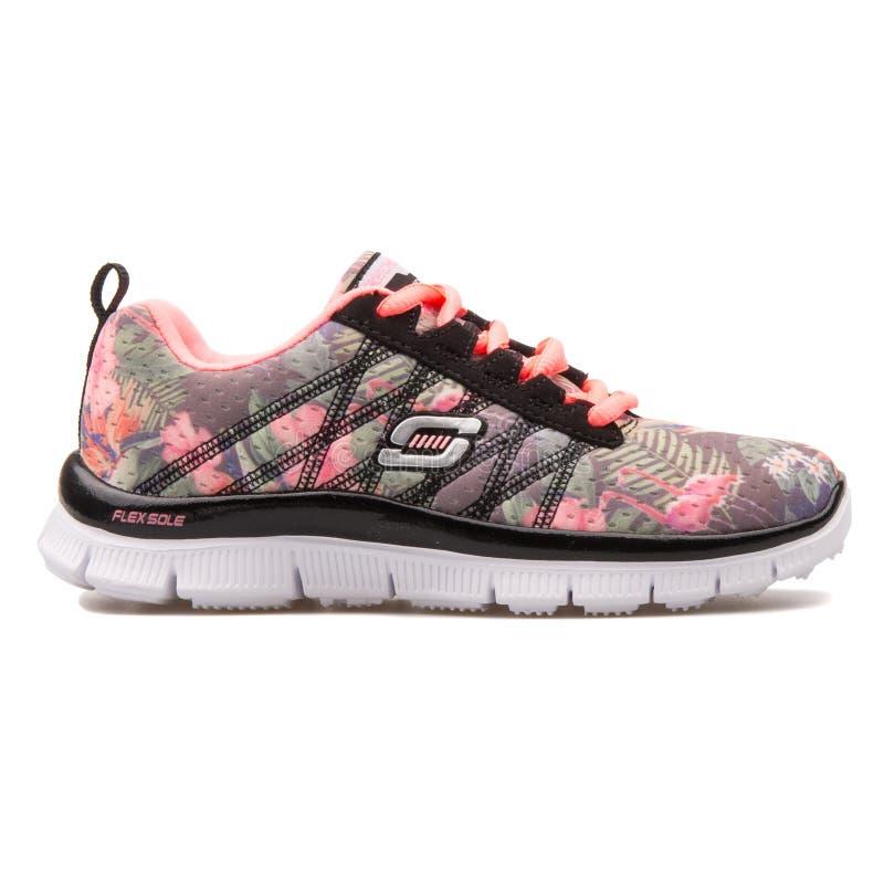斯凯奇Skech呼吁花卉绽放黑和桃红色运动鞋 库存照片