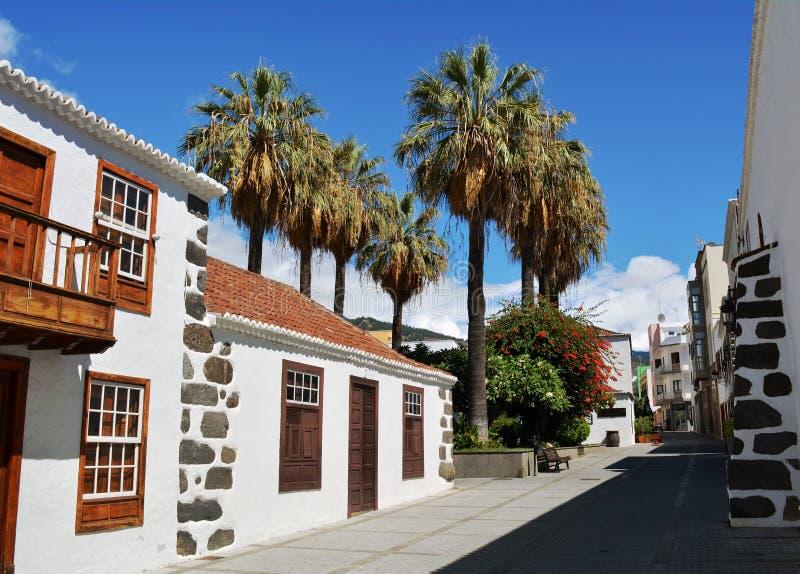 洛斯利亚诺斯德亚里达内,在海岛拉帕尔玛岛,加那利群岛,西班牙上的城市 库存图片