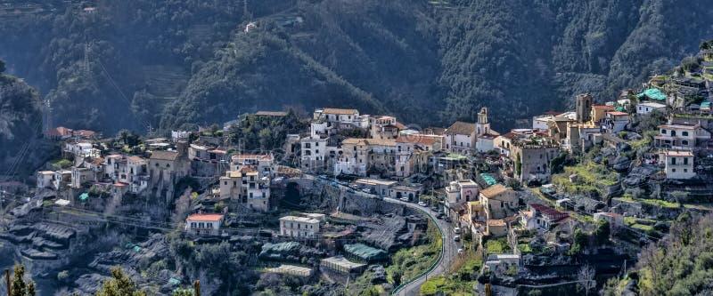 斯卡拉村庄,从阿马尔菲海岸,意大利 免版税库存图片