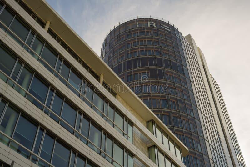 斯图加特,德国- 5月25,2018:欧洲区这是LBBW的一座新,现代办公楼 免版税库存图片