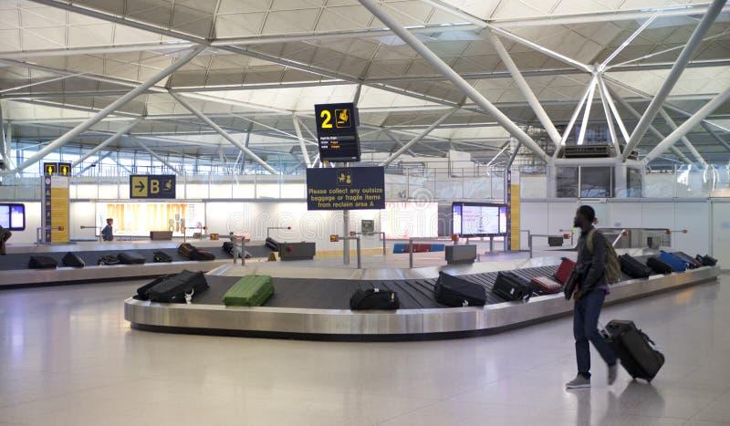 斯坦斯特德机场,行李等候室 免版税库存照片