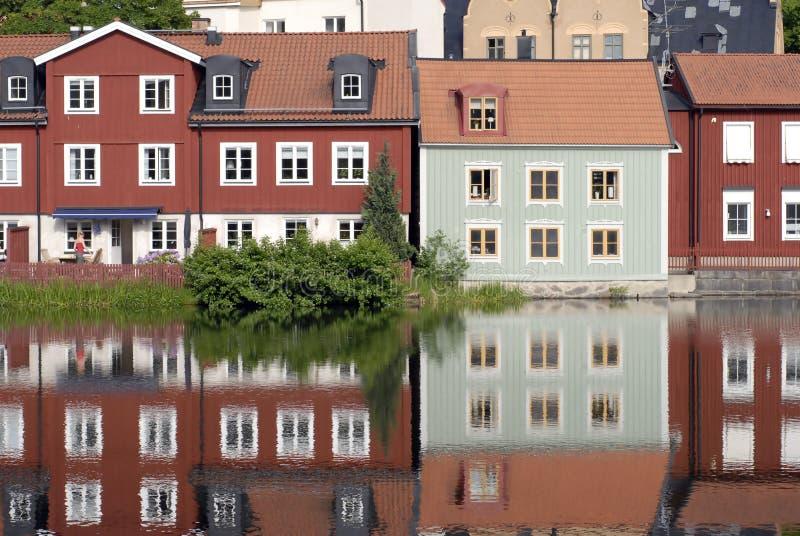 斯堪的纳维亚语五颜六色的房子 免版税库存照片