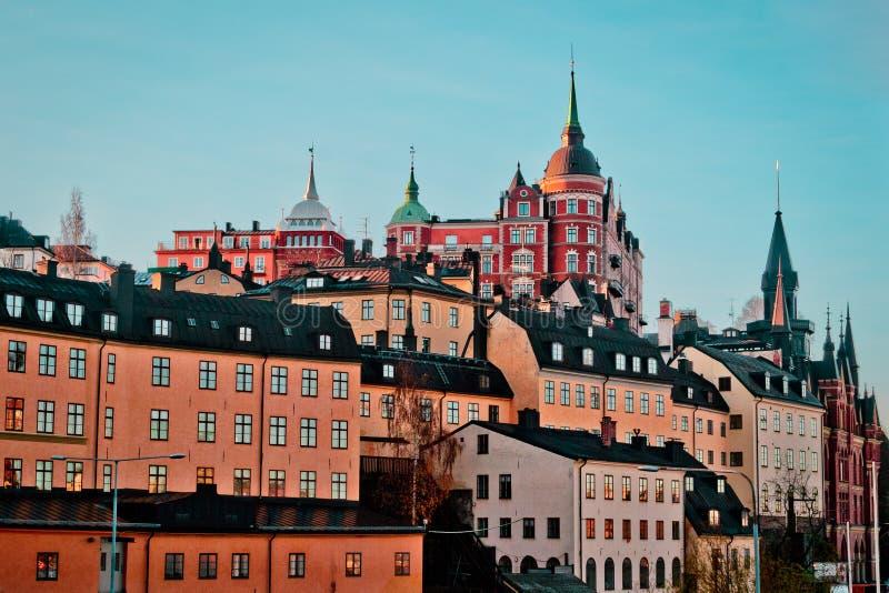 斯堪的纳维亚大厦和房子在Södermalm, Stockholms Län,瑞典 免版税库存照片