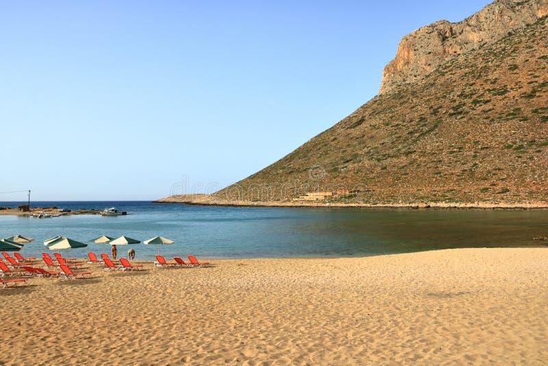 斯塔夫罗斯,克利特海岛/希腊- 2019年5月27日:从Zorba著名海滩的照片希腊语在克利特的斯塔夫罗斯 图库摄影