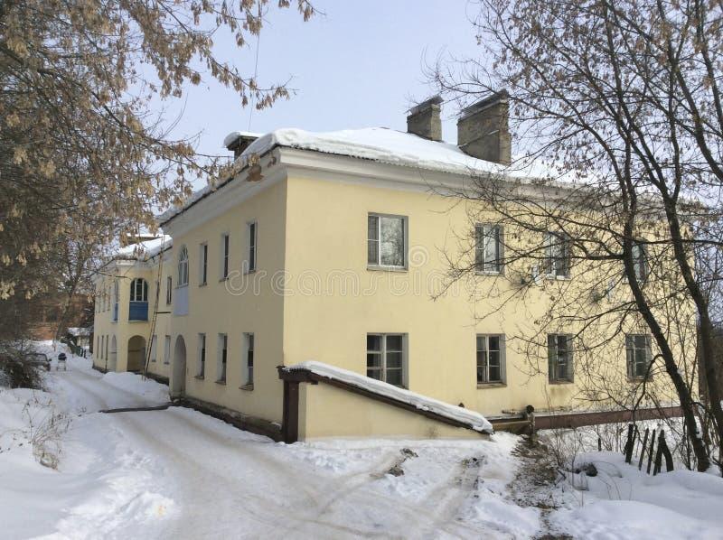 斯大林时间公寓在Iksha镇,莫斯科地区 库存照片