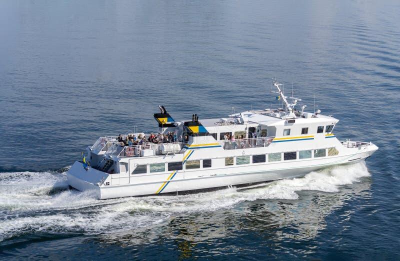 斯德哥尔摩群岛小型客轮 库存图片
