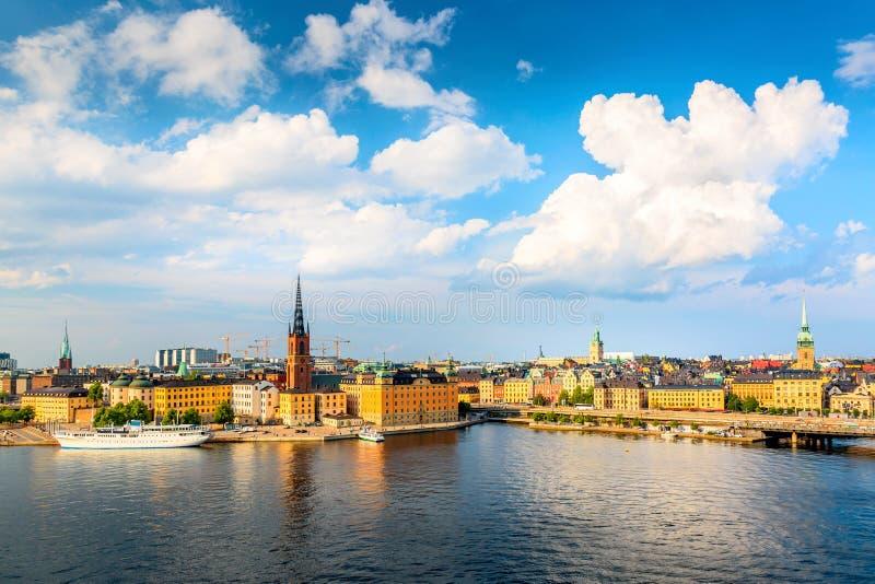 斯德哥尔摩老镇Gamla斯坦美好的全景  夏天好日子在斯德哥尔摩,瑞典 库存照片