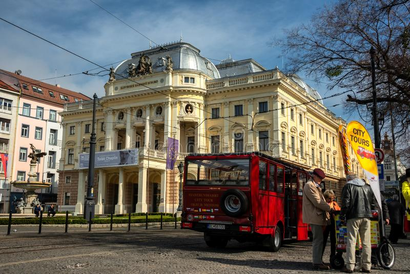 斯洛伐克国家戏院的历史大厦在布拉索夫 免版税图库摄影
