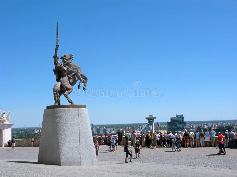 斯洛伐克,布拉索夫城堡,观察台,人们,对Svatopluk的纪念碑 库存照片