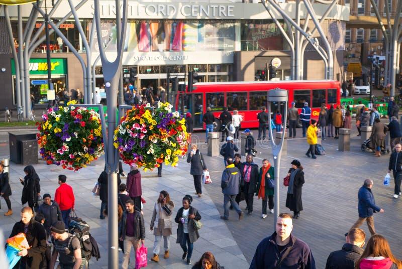斯特拉福国际火车和地铁车站,一个伦敦的最大的运输连接点和英国 库存图片