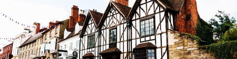 斯特拉福的老历史大厦在Avon,英国-一个普遍的旅游目的地的 免版税库存照片