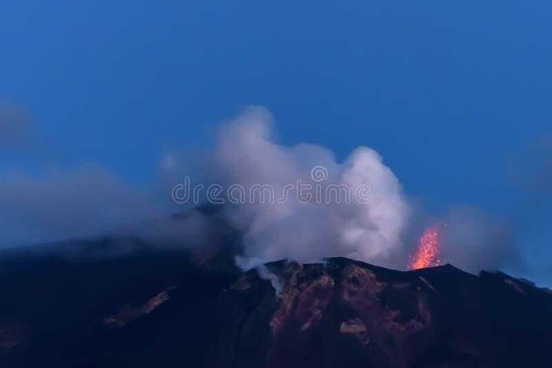 斯特龙博利岛火山岛在西西里岛,意大利 库存照片