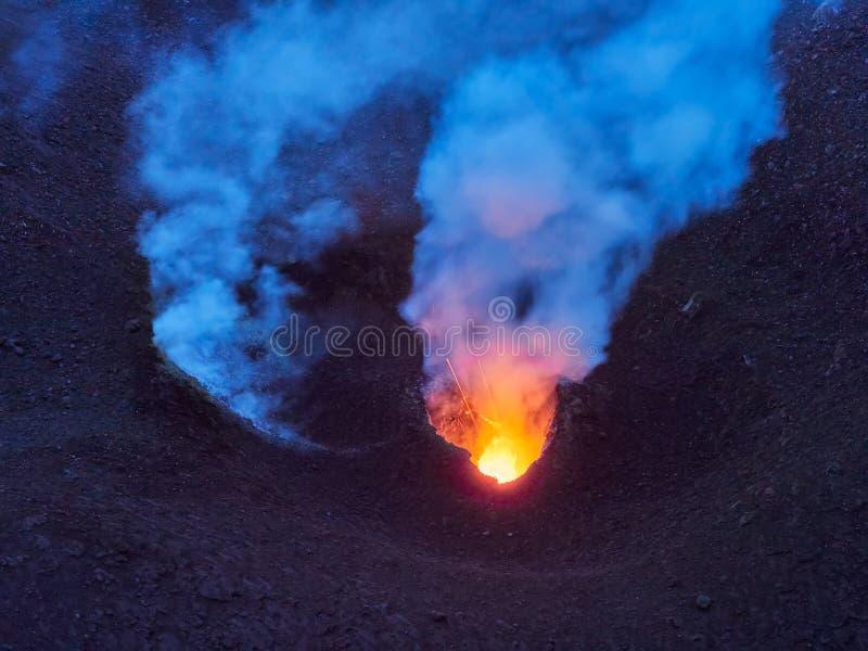 斯特龙博利岛火山的爆发,风神海岛,西西里岛,意大利 库存照片
