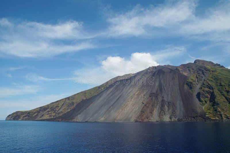 斯特龙博利岛熔岩  库存图片