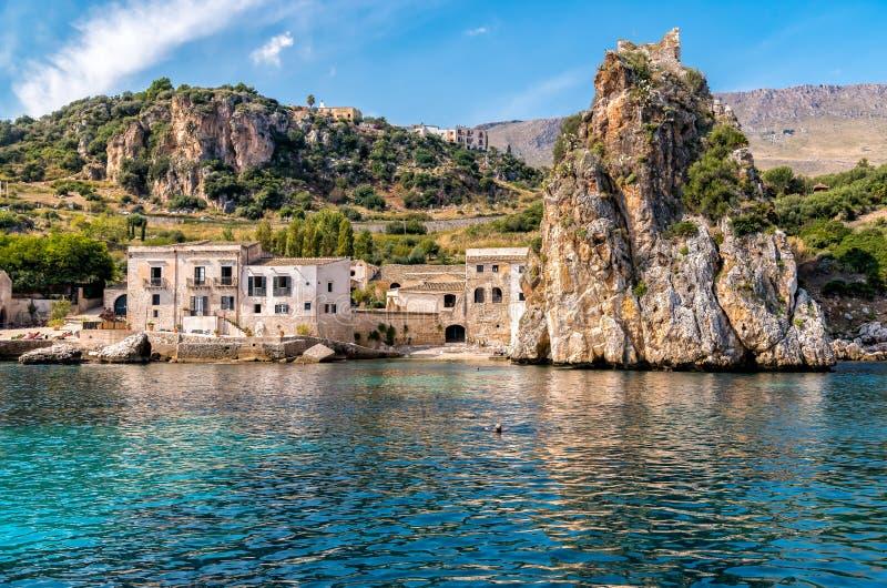 斯科佩洛村庄看法吉普赛人自然保护的,西西里岛 库存图片