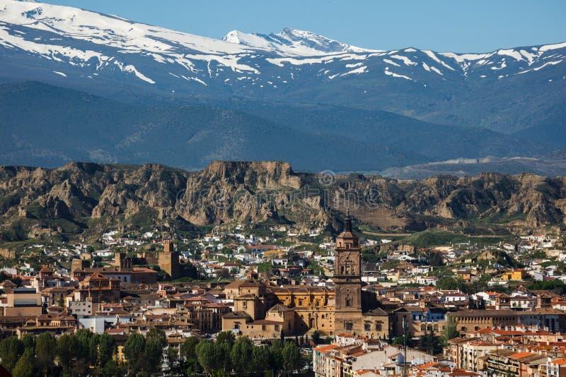 斯诺伊从Gaudix查看的内华达山脉,西班牙 库存照片