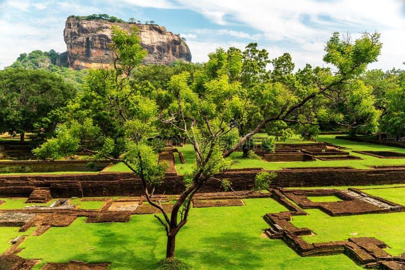 斯里兰卡:古老狮子岩石堡垒在锡吉里耶 免版税库存图片