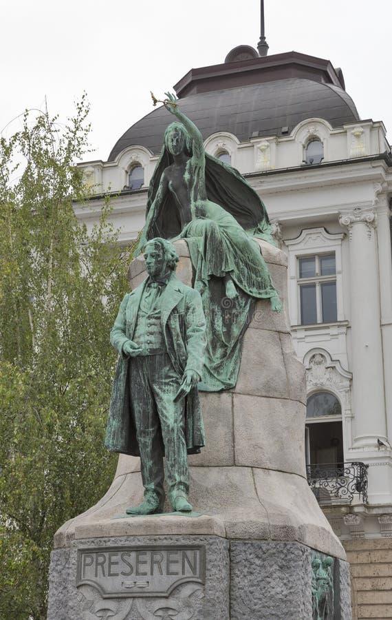 斯洛文尼亚诗人法国Preseren雕象在卢布尔雅那,斯洛文尼亚 免版税库存图片