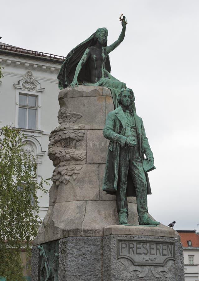 斯洛文尼亚诗人法国Preseren雕象在卢布尔雅那,斯洛文尼亚 免版税库存照片