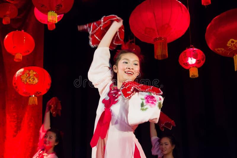 新中国舞蹈演员。 中国春节。 都伯林 免版税库存图片