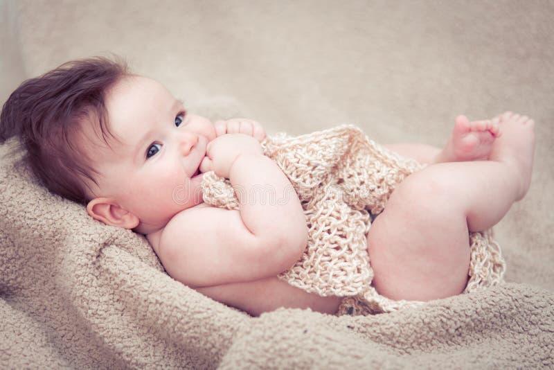 新出生男婴微笑 图库摄影