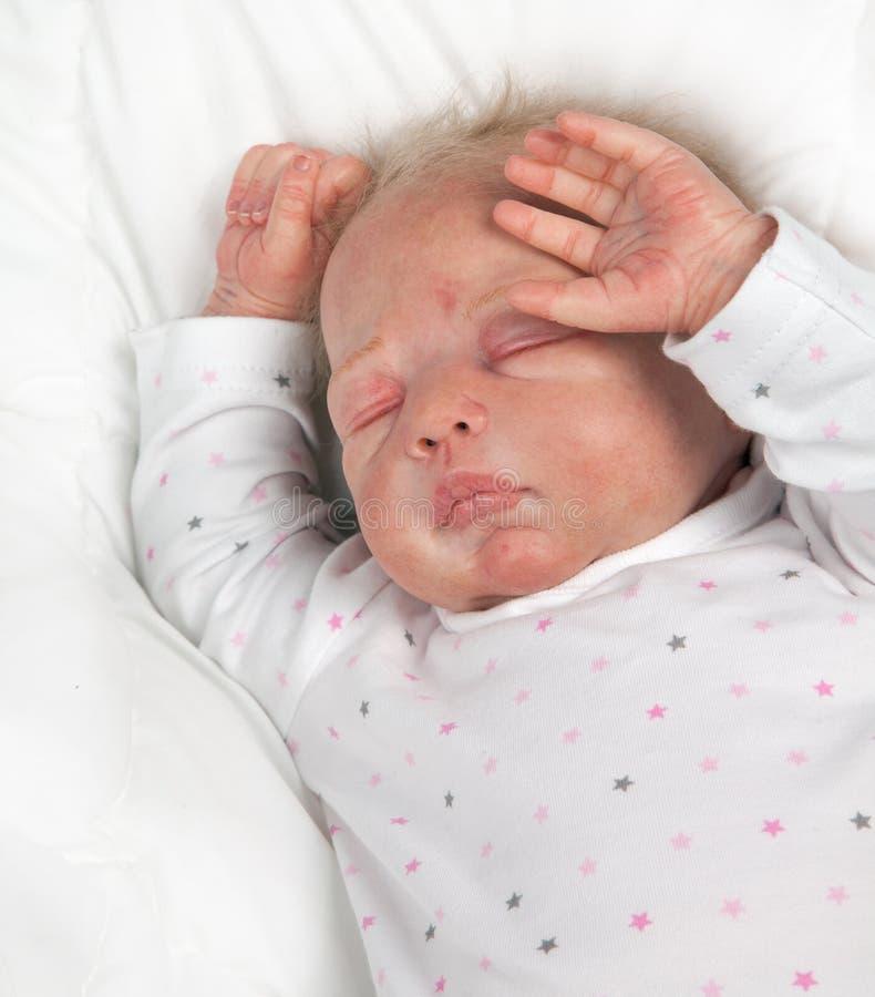 新出生的娃娃 免版税图库摄影