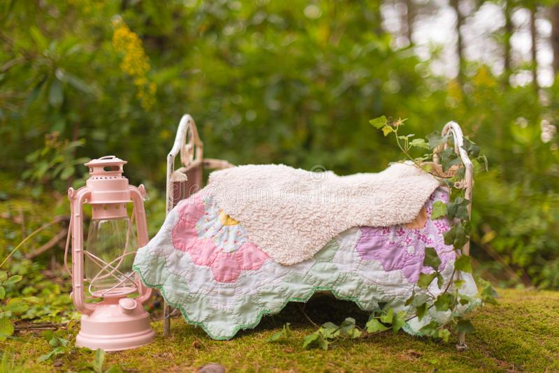 新出生的婴孩的可爱的花背景,新出生的ba的概念 库存照片