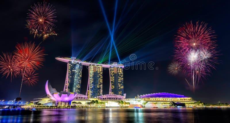 新加坡国庆节,美丽的烟花 免版税库存照片
