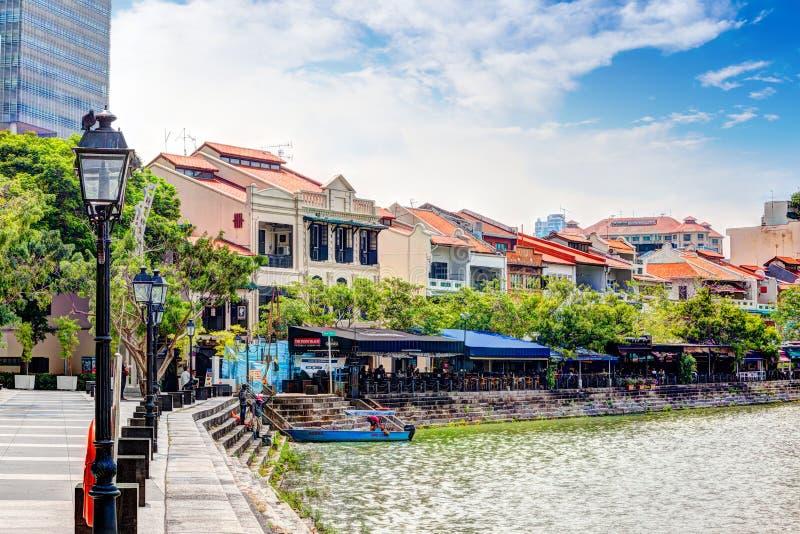 新加坡地标:小船奎伊HDR在新加坡河的 免版税图库摄影