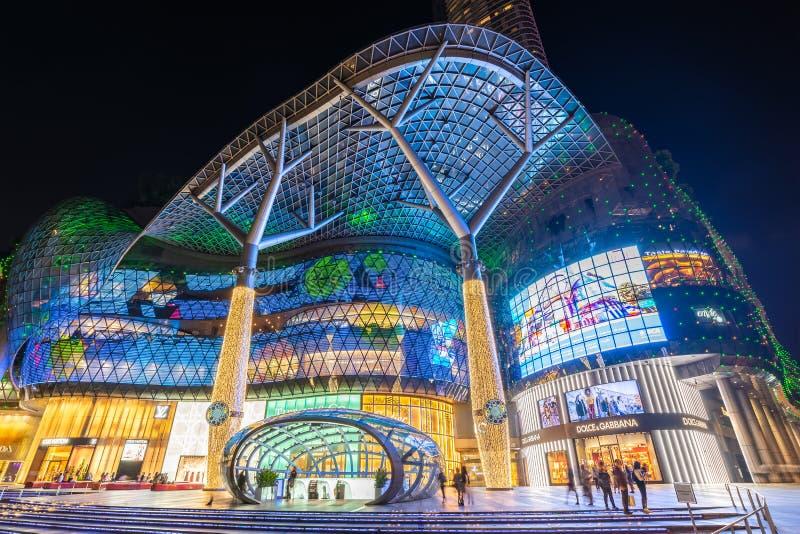 新加坡夜在乌节路的城市地平线 库存照片