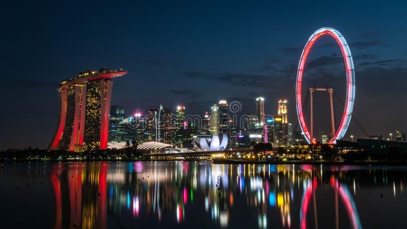 2019-07-06新加坡小游艇船坞海湾地平线在晚上 库存照片