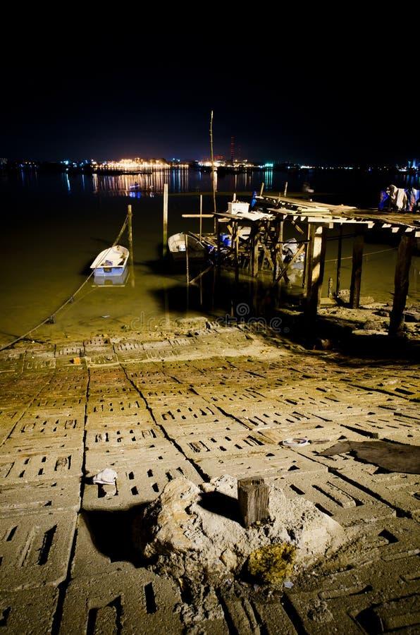 Download 新加坡晚上视图从Johor的 库存照片. 图片 包括有 反映, 商业, 拱道, 新加坡, 艺术, 晚上, 次幂 - 22354726