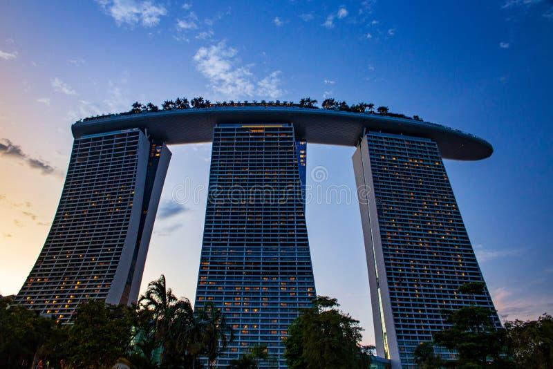 新加坡滨海湾沙滩上的日落 免版税库存图片