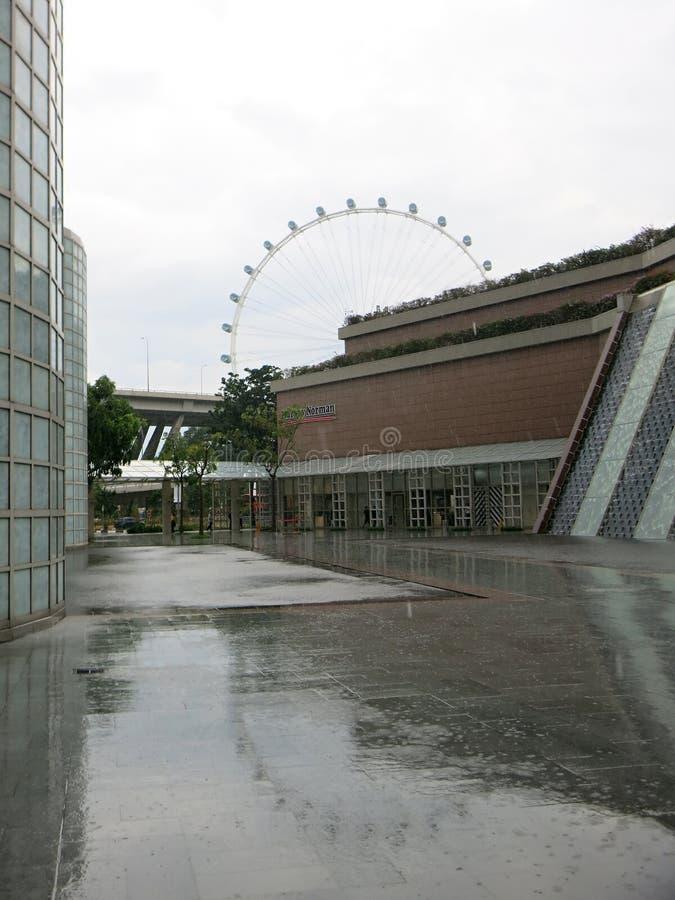 新加坡飞行物 现代高层建筑物 建筑学和艺术在现代文明 免版税库存图片