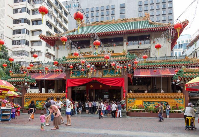 新加坡,亚洲- 2月3 :在寺庙之外的中国灯笼 免版税库存照片