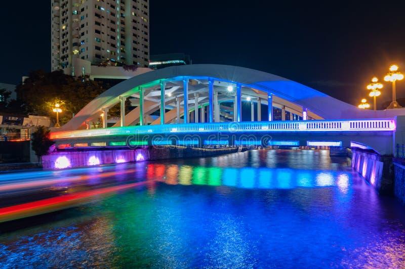 新加坡6月16,2016 :埃尔金桥梁在与照明设备的晚上 免版税库存图片