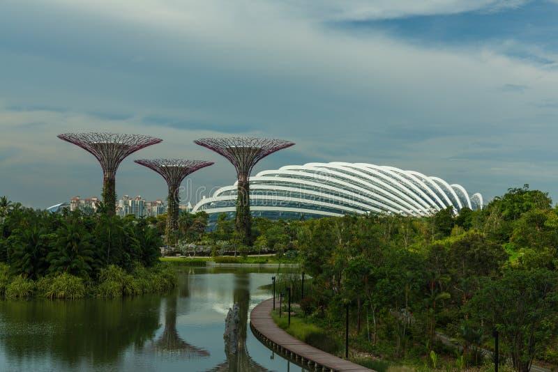 新加坡- 5月12 :2014年3月12日的滨海湾公园在Singap 库存图片