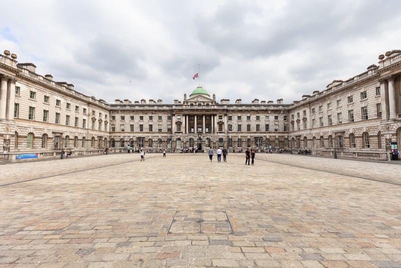 新古典主义的修造的萨默塞特议院在区科文特花园,伦敦,英国 图库摄影