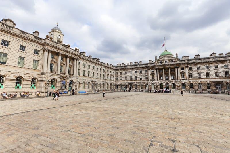 新古典主义的修造的萨默塞特议院在区科文特花园,伦敦,英国 库存照片